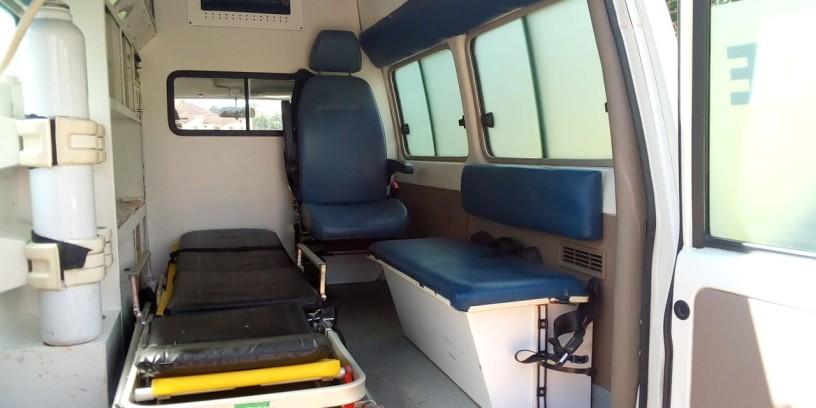 toyota-landcruiser-ambulance-big-4