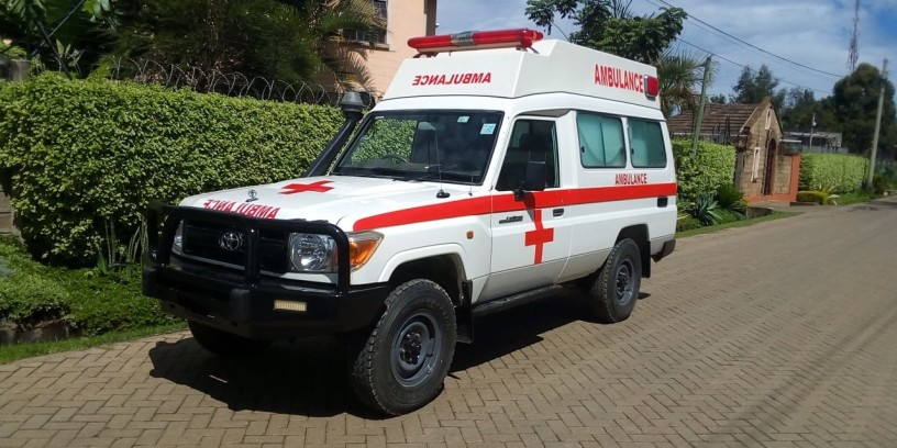 toyota-landcruiser-ambulance-big-0